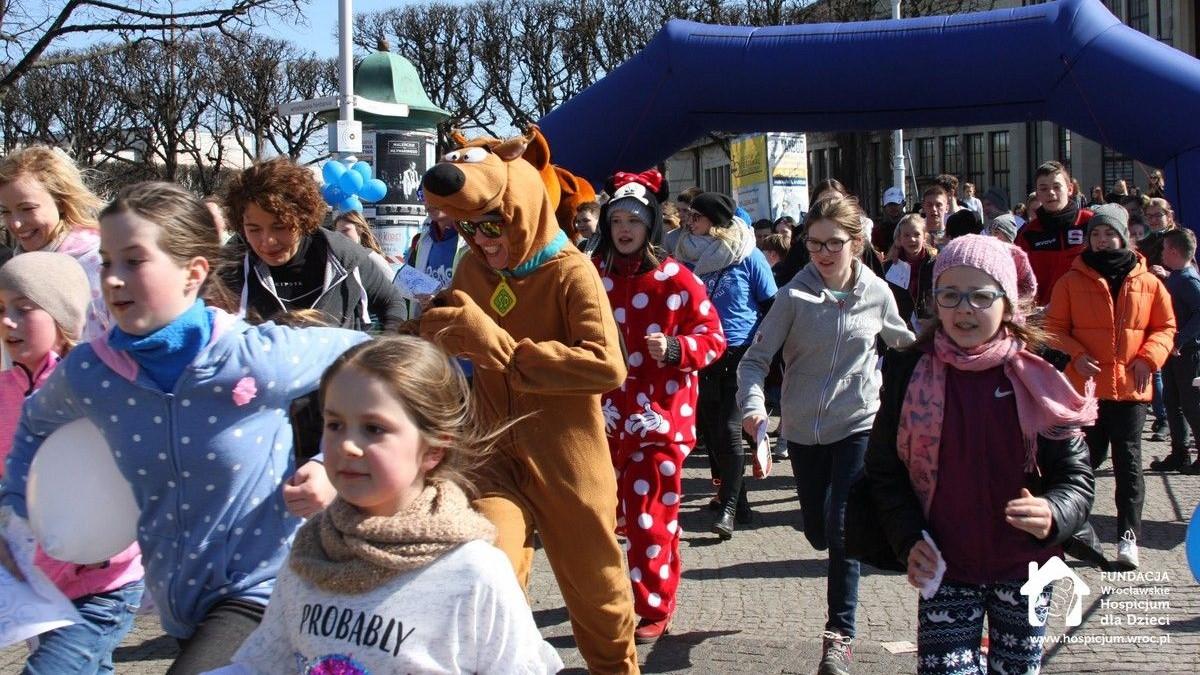Wspólny marsz/bieg dzieci i dorosłych